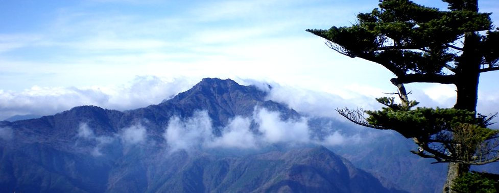 四季折々の表情を楽しめる「石鎚山」